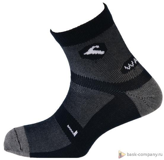 Носки Boreal WALK LITE COOX b658Благодаря очень высокому процентному содержанию Coolmax, эти легкие и тонкие cспортивные носки остаются сухими при эксплуатации в жарких условиях.<br><br>Материал: 85% Coolmax; 12% Polyamide; 3% Elastane<br>Пол: Унисекс<br>Размер INT: L<br>Цвет: ЧЕРНЫЙ