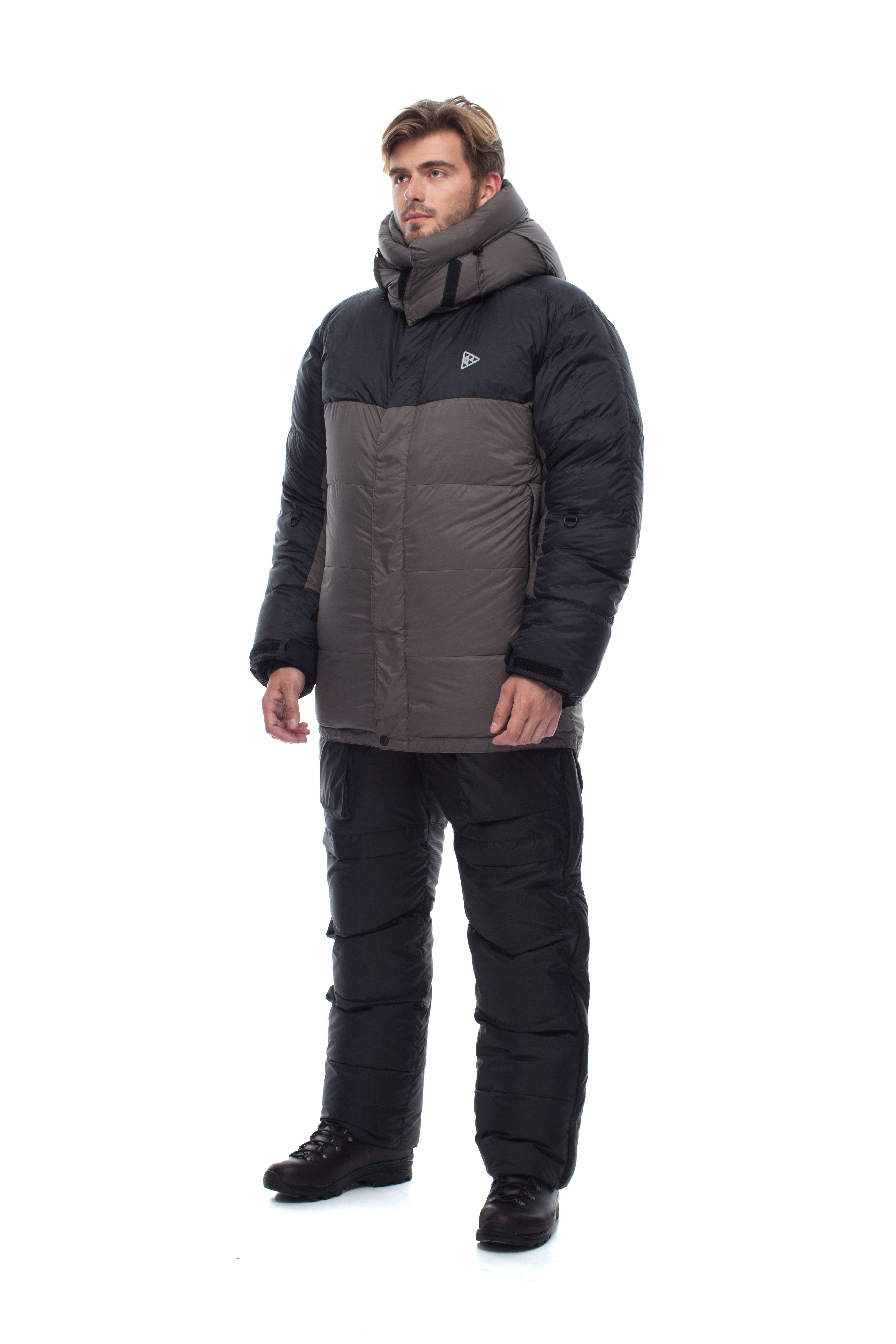 Пуховая куртка BASK KHAN TENGRI V6 PRO 3324CКуртки<br><br><br>Верхняя ткань: Advance® Perfomance<br>Вес граммы: 1200<br>Вес утеплителя: 540<br>Ветро-влагозащитные свойства верхней ткани: Нет<br>Ветрозащитная планка: Да<br>Ветрозащитная юбка: Да<br>Влагозащитные молнии: Нет<br>Внутренние манжеты: Да<br>Внутренняя ткань: Advance® Classic<br>Водонепроницаемость: 1000<br>Дублирующий центральную молнию клапан: Да<br>Защитный козырёк капюшона: Нет<br>Капюшон: Съемный<br>Карман для средств связи: Да<br>Количество внешних карманов: 3<br>Количество внутренних карманов: 2<br>Мембрана: Advance MPC<br>Объемный крой локтевой зоны: Да<br>Отстёгивающиеся рукава: Нет<br>Паропроницаемость: 7000<br>Показатель Fill Power (для пуховых изделий): 810<br>Пол: Мужской<br>Проклейка швов: Нет<br>Регулировка манжетов рукавов: Да<br>Регулировка низа: Да<br>Регулировка объёма капюшона: Да<br>Регулировка талии: Да<br>Регулируемые вентиляционные отверстия: Нет<br>Световозвращающая лента: Нет<br>Температурный режим: -35<br>Технология Thermal Welding: Нет<br>Технология швов: Теплые и закрытые<br>Тип утеплителя: Натуральный<br>Ткань усиления: Advance® Perfomance<br>Усиление контактных зон: Да<br>Утеплитель: Гусиный пух