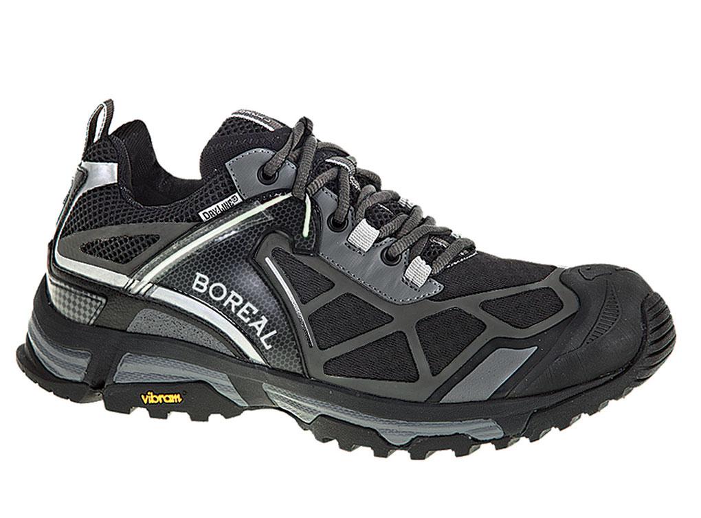 Кроссовки Boreal REFLEX BLACK b31625Треккинговые кроссовки<br><br>Вентиляция стельки: Нет<br>Вес пары размера 7 UK: 765<br>Материал верха: синтетическая сетка с усилениями<br>Мембрана: Система Boreal Dry-Line®<br>Подошва: Vibram Exmoor<br>Пол: Муж.<br>Промежуточная подошва: EVA<br>Рант для крепления &quot;кошек&quot;: Нет<br>Режим эксплуатации: бег по пересеченной местности, ориентирование, использование в городе<br>Система виброгашения: Да<br>Система отвода влаги: Boreal Dry Line<br>Цельнокроеный верх: Нет<br>Цвет: НЕИЗВЕСТНЫЙ