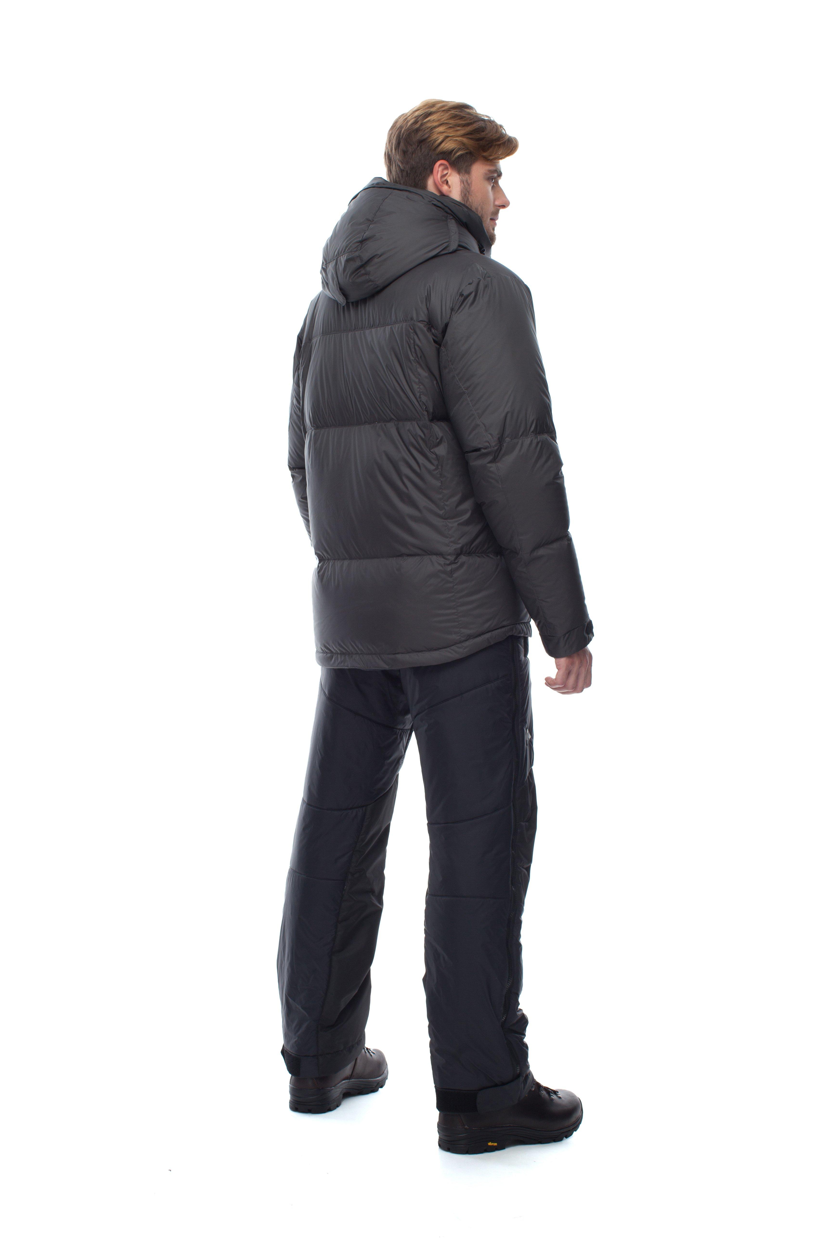 Пуховая куртка BASK HEAVEN V2 3945aТёплая и лёгкая мужская пуховая куртка для альпинистских и полярных экспедиций.<br><br>&quot;Дышащие&quot; свойства: Да<br>Верхняя ткань: Resist-DT(R) EXTREME<br>Вес граммы: 955<br>Вес утеплителя: 282<br>Ветро-влагозащитные свойства верхней ткани: Да<br>Ветрозащитная планка: Да<br>Ветрозащитная юбка: Нет<br>Влагозащитные молнии: Нет<br>Внутренние манжеты: Нет<br>Внутренняя ткань: Advance® Classic<br>Водонепроницаемость: 3000<br>Дублирующий центральную молнию клапан: Да<br>Защитный козырёк капюшона: Нет<br>Капюшон: Съемный<br>Количество внешних карманов: 3<br>Количество внутренних карманов: 3<br>Мембрана: Resist-DT(R) EXTREME<br>Объемный крой локтевой зоны: Нет<br>Отстёгивающиеся рукава: Нет<br>Паропроницаемость: 3000<br>Показатель Fill Power (для пуховых изделий): 670<br>Пол: Муж.<br>Проклейка швов: Нет<br>Регулировка манжетов рукавов: Да<br>Регулировка низа: Да<br>Регулировка объёма капюшона: Да<br>Регулировка талии: Нет<br>Регулируемые вентиляционные отверстия: Нет<br>Световозвращающая лента: Нет<br>Температурный режим: -15<br>Технология Thermal Welding: Нет<br>Технология швов: Простые<br>Тип молнии: Двухзамковая<br>Тип утеплителя: Натуральный<br>Ткань усиления: Нет<br>Усиление контактных зон: Да<br>Утеплитель: гусиный пух<br>Размер RU: 46<br>Цвет: КРАСНЫЙ