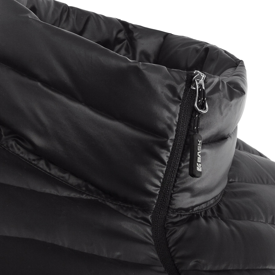 Куртка BASK CHAMONIX LIGHT UJ 3678Куртки<br><br><br>Верхняя ткань: Advance® D Tube<br>Вес утеплителя: 100<br>Показатель Fill Power (для пуховых изделий): 850+<br>Пол: Мужской<br>Температурный режим: -10<br>Технология швов: Бесшовная<br>Тип утеплителя: Комбинированный<br>Утеплитель: 93% Гусиный пух, 7% Перо<br>Размер RU: 46<br>Цвет: ЧЕРНЫЙ