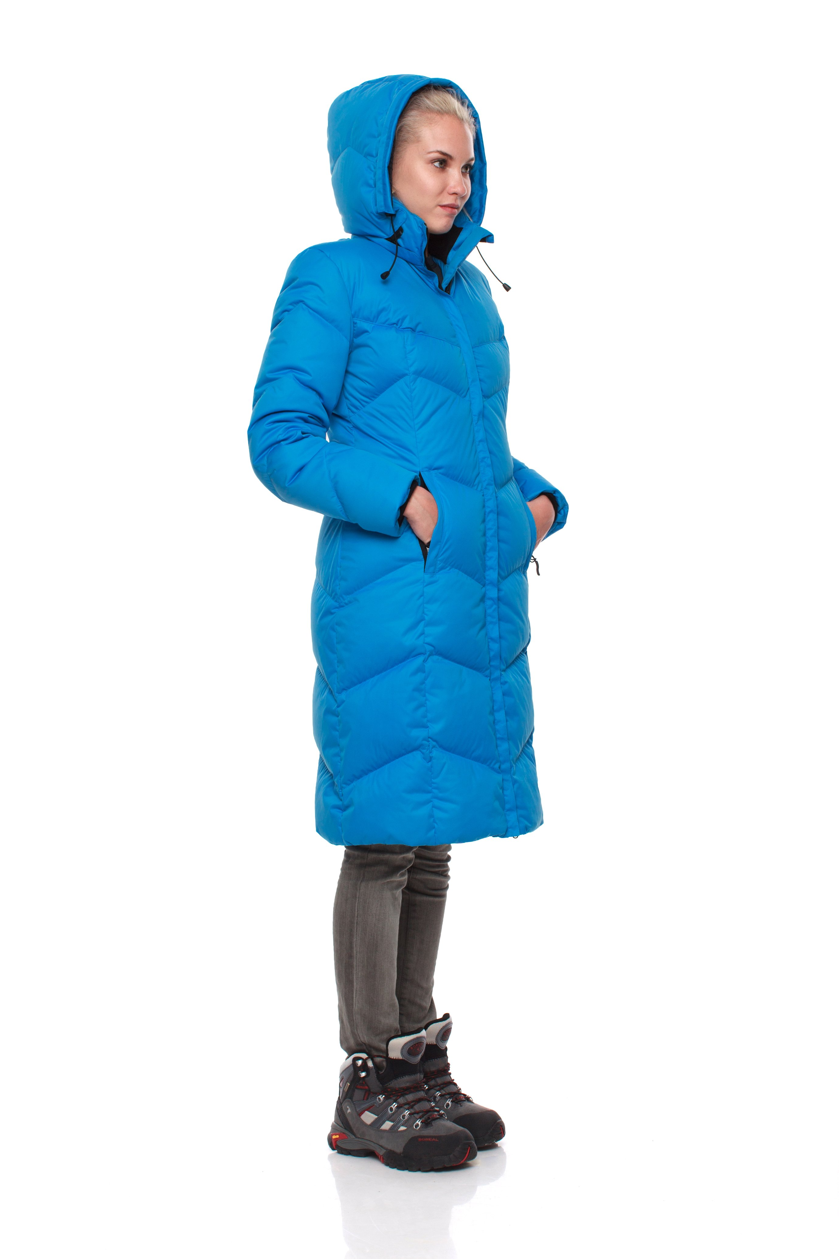 Пуховое пальто BASK SNOWFLAKE 5454Тёплое зимнее женское пуховое пальто из коллекции BASK CITY. Элегантный силуэт и модные расцветки. Капюшон с отстегивающейся меховой опушкой.<br><br>Верхняя ткань: Advance® Ice<br>Вес граммы: 1700<br>Вес утеплителя: 320<br>Ветро-влагозащитные свойства верхней ткани: Нет<br>Ветрозащитная планка: Да<br>Ветрозащитная юбка: Нет<br>Влагозащитные молнии: Нет<br>Внутренние манжеты: Да<br>Внутренняя ткань: Advance® Classic<br>Дублирующий центральную молнию клапан: Да<br>Защитный козырёк капюшона: Нет<br>Капюшон: отстегивается<br>Карман для средств связи: Нет<br>Количество внешних карманов: 2<br>Количество внутренних карманов: 2<br>Коллекция: BASK CITY<br>Мембрана: Нет<br>Объемный крой локтевой зоны: Нет<br>Отстёгивающиеся рукава: Нет<br>Показатель Fill Power (для пуховых изделий): 700<br>Пол: Женский<br>Проклейка швов: Нет<br>Регулировка манжетов рукавов: Нет<br>Регулировка низа: Нет<br>Регулировка объёма капюшона: Нет<br>Регулировка талии: Нет<br>Регулируемые вентиляционные отверстия: Нет<br>Световозвращающая лента: Нет<br>Температурный режим: -15<br>Технология Thermal Welding: Нет<br>Технология швов: Простые<br>Тип молнии: Двухзамковая<br>Тип утеплителя: Натуральный<br>Усиление контактных зон: Нет<br>Утеплитель: Гусиный пух<br>Размер INT: M<br>Цвет: СИНИЙ