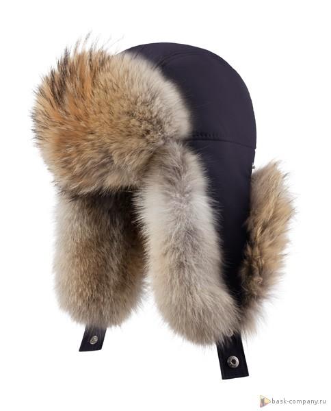 Шапка BASK OYMIAKON MH 3790Теплая, зимняя мужская меховая шапка-ушанка из ткани Advance&amp;reg;Alaska, с натуральным мехом койота.<br><br>Верхняя ткань: Advance ® Alaska<br>Внутренняя ткань: Nylon<br>Пол: Муж.<br>Регулировка застежкой Velcro: Нет<br>Регулировка шнуром с фиксатором: Нет<br>Утеплитель: Termofil® и мех койота<br>Размер INT: M<br>Цвет: ЧЕРНЫЙ