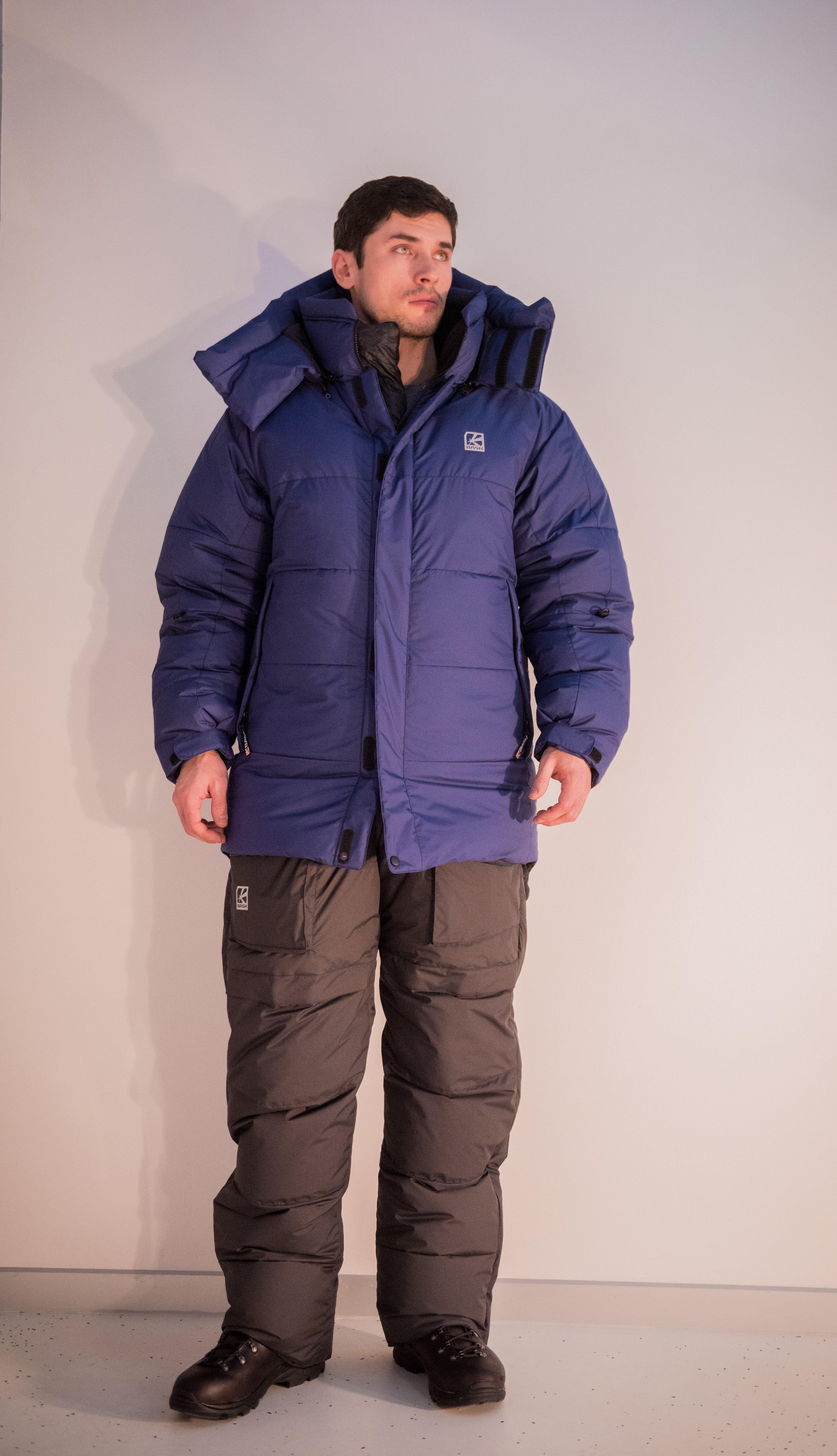 Пуховая куртка BASK KHAN TENGRI V7 3324DКуртки<br><br><br>&quot;Дышащие&quot; свойства: Да<br>Верхняя ткань: Gelanots® GHB<br>Вес граммы: 1150<br>Вес утеплителя: 450<br>Ветро-влагозащитные свойства верхней ткани: Да<br>Ветрозащитная планка: Да<br>Ветрозащитная юбка: Да<br>Влагозащитные молнии: Нет<br>Внутренние манжеты: Да<br>Внутренняя ткань: Advance® Classic<br>Водонепроницаемость: 1000<br>Дублирующий центральную молнию клапан: Да<br>Защитный козырёк капюшона: Нет<br>Капюшон: Съемный<br>Количество внешних карманов: 3<br>Количество внутренних карманов: 2<br>Коллекция: Alpine Expert DOWN<br>Мембрана: Да<br>Объемный крой локтевой зоны: Да<br>Отстёгивающиеся рукава: Нет<br>Паропроницаемость: 7000<br>Показатель Fill Power (для пуховых изделий): 850<br>Пол: Мужской<br>Проклейка швов: Нет<br>Регулировка манжетов рукавов: Да<br>Регулировка низа: Да<br>Регулировка объёма капюшона: Да<br>Регулировка талии: Да<br>Регулируемые вентиляционные отверстия: Нет<br>Световозвращающая лента: Нет<br>Температурный режим: -35<br>Технология Thermal Welding: Нет<br>Технология швов: Теплые и закрытые<br>Тип молнии: Двухзамковая<br>Тип утеплителя: Натуральный<br>Ткань усиления: Advance® Ecliptic<br>Усиление контактных зон: Да<br>Утеплитель: Гусиный пух<br>Размер RU: 48<br>Цвет: СИНИЙ
