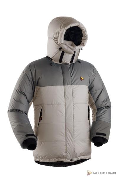 Пуховая куртка BASK KHAN TENGRI W V4 3325aОдна из самых популярных зимних пуховок коллекции BASK. Женская версия имеет приталенный крой, выглядит изящнее и легче, но при этом ни в чем не уступает мужскому пуховику.<br><br>Верхняя ткань: Advance® Ecliptic<br>Вес граммы: 1250<br>Вес утеплителя: 520<br>Ветро-влагозащитные свойства верхней ткани: Да<br>Ветрозащитная планка: Да<br>Ветрозащитная юбка: Да<br>Влагозащитные молнии: Нет<br>Внутренние манжеты: Да<br>Внутренняя ткань: Advance® Classic<br>Водонепроницаемость: 1500<br>Дублирующий центральную молнию клапан: Да<br>Защитный козырёк капюшона: Нет<br>Капюшон: отстегивается<br>Карман для средств связи: Да<br>Количество внешних карманов: 2<br>Количество внутренних карманов: 3<br>Мембрана: Resist-DT(R) EXTREME<br>Объемный крой локтевой зоны: Да<br>Отстёгивающиеся рукава: Нет<br>Паропроницаемость: 1500<br>Показатель Fill Power (для пуховых изделий): 700<br>Пол: Жен.<br>Проклейка швов: Нет<br>Регулировка манжетов рукавов: Да<br>Регулировка низа: Да<br>Регулировка объёма капюшона: Да<br>Регулировка талии: Да<br>Регулируемые вентиляционные отверстия: Нет<br>Световозвращающая лента: Нет<br>Температурный режим: -35<br>Технология Thermal Welding: Нет<br>Технология швов: Теплые и закрытые<br>Тип молнии: Двухзамковая<br>Тип утеплителя: Натуральный<br>Ткань усиления: Resist-DT(R) EXTREME<br>Усиление контактных зон: Да<br>Утеплитель: Гусиный пух<br>Размер RU: 46<br>Цвет: ЧЕРНЫЙ