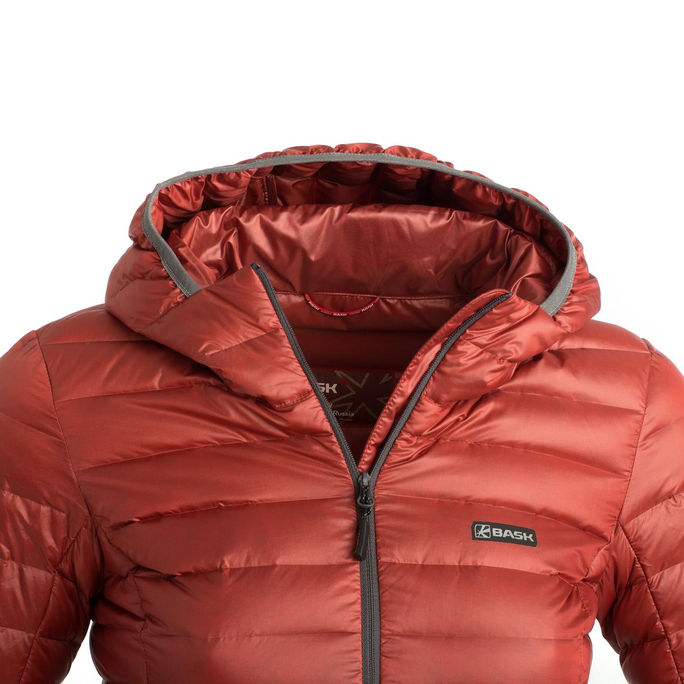 Пуховая куртка BASK CHAMONIX LIGHT LJ 3680Куртки<br><br><br>Верхняя ткань: Advance® Superior<br>Вес граммы: 350<br>Вес утеплителя: 120<br>Ветро-влагозащитные свойства верхней ткани: Да<br>Ветрозащитная планка: Да<br>Ветрозащитная юбка: Нет<br>Влагозащитные молнии: Нет<br>Внутренние манжеты: Нет<br>Внутренняя ткань: Advance® Superior<br>Дублирующий центральную молнию клапан: Нет<br>Защитный козырёк капюшона: Нет<br>Капюшон: Несъемный<br>Карман для средств связи: Нет<br>Количество внешних карманов: 2<br>Количество внутренних карманов: 1<br>Мембрана: Нет<br>Объемный крой локтевой зоны: Нет<br>Отстёгивающиеся рукава: Нет<br>Показатель Fill Power (для пуховых изделий): 800<br>Пол: Женский<br>Проклейка швов: Нет<br>Регулировка манжетов рукавов: Нет<br>Регулировка низа: Да<br>Регулировка объёма капюшона: Да<br>Регулировка талии: Нет<br>Регулируемые вентиляционные отверстия: Нет<br>Световозвращающая лента: Нет<br>Температурный режим: -10<br>Технология Thermal Welding: Нет<br>Технология швов: Простые<br>Тип молнии: Однозамковая<br>Тип утеплителя: Натуральный<br>Ткань усиления: нет<br>Усиление контактных зон: Нет<br>Утеплитель: Гусиный пух<br>Размер RU: 44<br>Цвет: КРАСНЫЙ