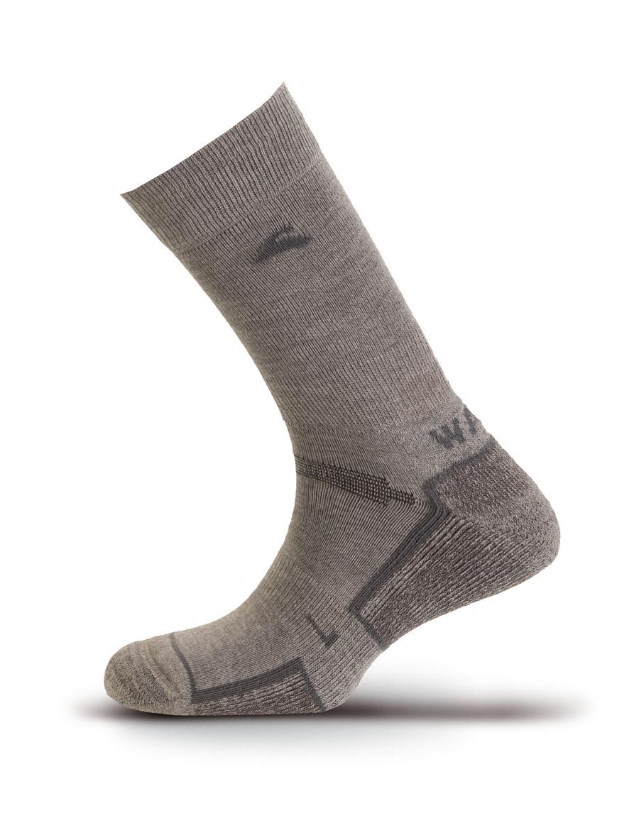 Носки Boreal TREK LITE COOLMAX GREY B667Высокие треккинговые носки. Подходят для круглогодичного использования. Благодаря волокнам Coolmax отлично отводят влагу от ноги.<br><br>Материал: 80% Coolmax, 12% Polyamide, 8% Lycra<br>Пол: Унисекс<br>Усиление: Да<br>Размер INT: S<br>Цвет: СЕРЫЙ