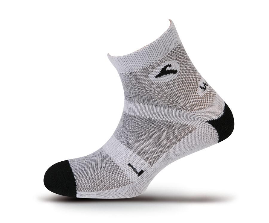 Носки Boreal WALK LITE COOLMAX B657Благодаря очень высокому процентному содержанию Coolmax, эти легкие и тонкие спортивные носки остаются сухими при эксплуатации в жарких условиях. Плотно облегают ногу. Отлично подойдут для ежедневной носки.<br><br>Материал: 85% Coolmax, 12% Polyamide, 3% Lycra<br>Пол: Унисекс